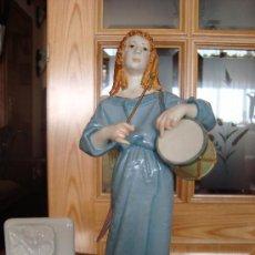 Antiquités: EXCEPCIONAL FIGURA DE AUTÉNTICA PORCELANA DE ALGORA ANGEL PORTAL CON TAMBOR RARA. Lote 27034539