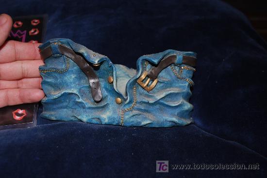 Antigüedades: precioso marco con motivo de pantalon americano , para poner fotos, ver ancho 16cm, - Foto 4 - 136757218