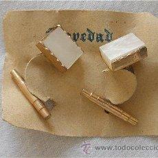 Antigüedades: GEMELOS DE BISUTERIA AÑOS 50 DORADOS Y NACAR MODELO 16. Lote 111003311