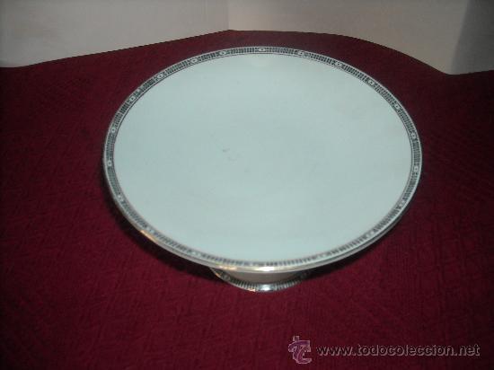 FRUTERO CON PIE MODERNISTA (Antigüedades - Porcelanas y Cerámicas - San Juan de Aznalfarache)