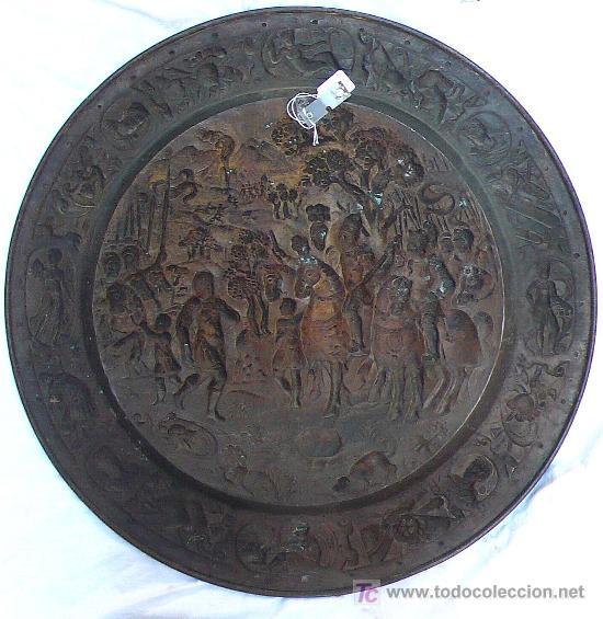 Antigüedades: Plato de latón de Galvano, 1900s aprox. 57 cm. de diámetro. - Foto 2 - 20466562