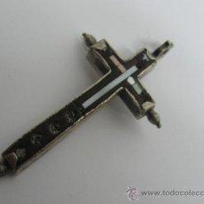 Antigüedades: CRUZ DE FRAILE EBANO, NACAR EMBUTIDA EN PLATA LABRADA SGXVIII O ANTERIOR, . MIDE 6 X 3 CM.. Lote 23783531