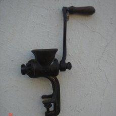 Antigüedades: MÁQUINA DE PICAR, MARCA ELMA 1 -EN -.. Lote 27567463
