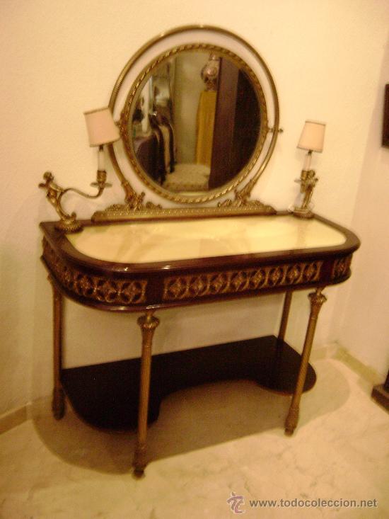 CONSOLA CON ESPEJO EN BRONCE Y CAOBA (Antigüedades - Muebles Antiguos - Consolas Antiguas)