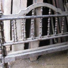 Antigüedades: CAMA DOBLE DE BARROTES TORNEADOS, PRIMERA MITAD DEL S. XX . Lote 26578172
