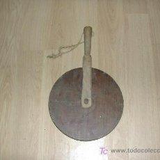 Antigüedades: RUEDA DE MADERA PARA MEDIR DISTANCIAS. Lote 21718694
