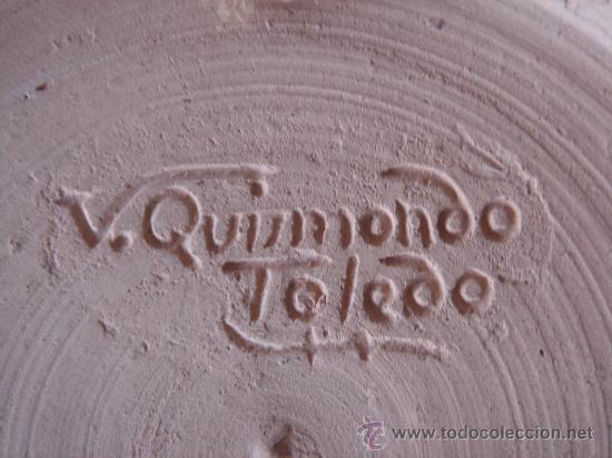 Antigüedades: PLATO CON EL ESCUDO DE HUESCA, PINTADO A MANO Y FIRMADO EN BASE, V. QUISMONDO, TOLEDO. - Foto 4 - 26985922