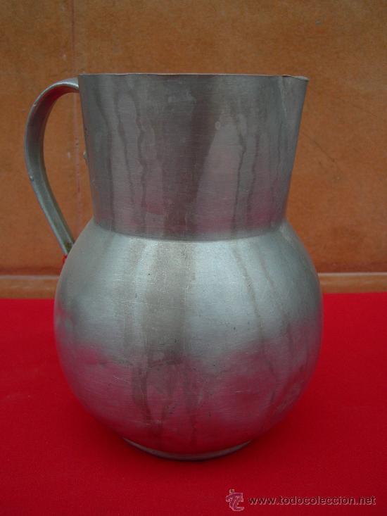 ANTIGUA JARRA DE ALUMINIO (Antigüedades - Técnicas - Rústicas - Utensilios del Hogar)