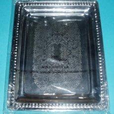 Antigüedades: BANDEJA METÁLICA. AVON COSMETIC. 17,5 X 23 CM. Lote 23829013