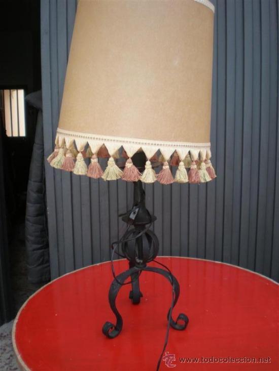 LAMPARA DE HIERRO DE FORJA (Antigüedades - Iluminación - Lámparas Antiguas)