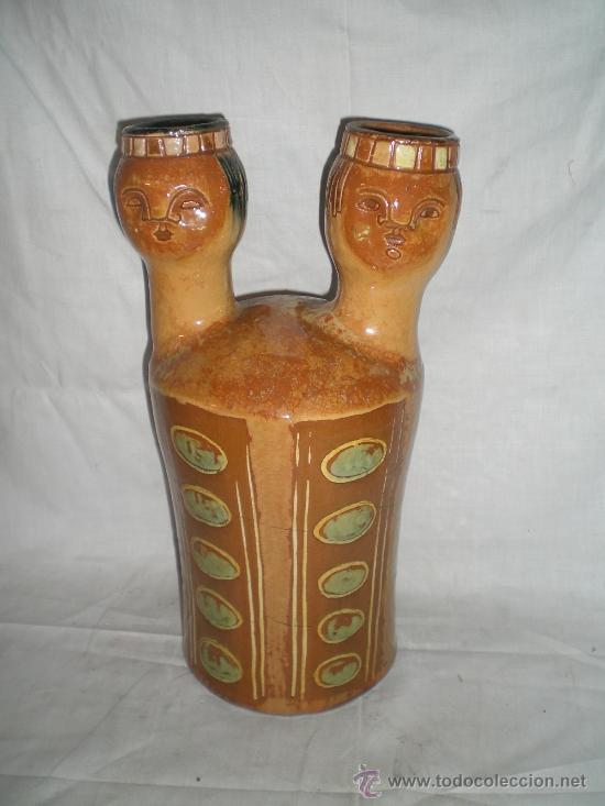 BONITA JARRA DE BARRO COCIDO VIDRIADO POLICROMADO. S.XX. FIRMADO VIDAL CLARA.LA BISBAL. (Antigüedades - Porcelanas y Cerámicas - La Bisbal)