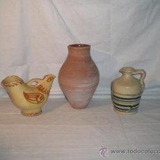 Antigüedades: BONITO LOTE DE 3 PIEZAS EN BARRO COCIDO DOS DE ELLAS VIDRIADAS. S.XX. 24 CM.. Lote 17580938