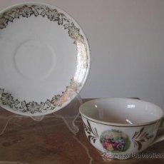 Antigüedades: TAZA Y PLATO DE COLECCION CON ESCENA ROMANTICA. Lote 17889505