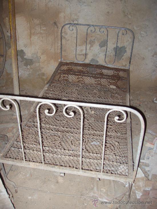 Antigüedades: Cama abatible de hierro - Foto 2 - 18204307