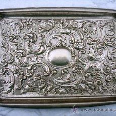 Antigüedades: BANDEJA DE TOCADOR DE METAL PLATEADO. Lote 26962493