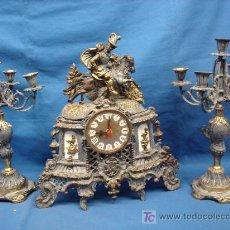 Antigüedades: CANDELABROS Y RELOJ DE DISEÑO. Lote 26725841