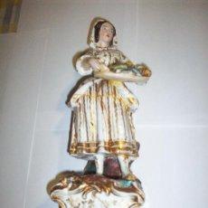 Antigüedades: VIOLETERO EN PORCELANA ISABELINA SIGLO XIX FIGURA PESCADORA. Lote 26558923