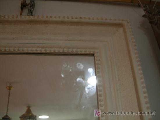 Antigüedades: ESPEJO BLANCO EN DECAPE CON UN FINO CORDON EN LOS CANTOS - Foto 5 - 27330046