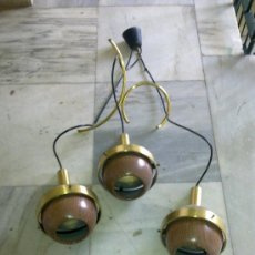 Antigüedades: LAMPARA DE TECHO AÑOS 60. 3 PUNTOS DE LUZ. COMPLETA, FUNCIONANDO, . Lote 27081726