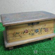 Antigüedades: CAJA MADERA JOYERO CON ESPEJO. Lote 148760765