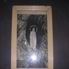 Antigüedades: MARCO CON SEDA, JACCARD,VIRGEN DE LOURDES,S. XIX.45X24 CM. VER FOTOS.. Lote 18878023