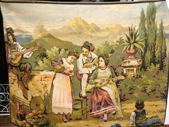 ANTIGUO TAPIZ CON MOTIVO COSTUMBRISTA (Antigüedades - Hogar y Decoración - Tapices Antiguos)