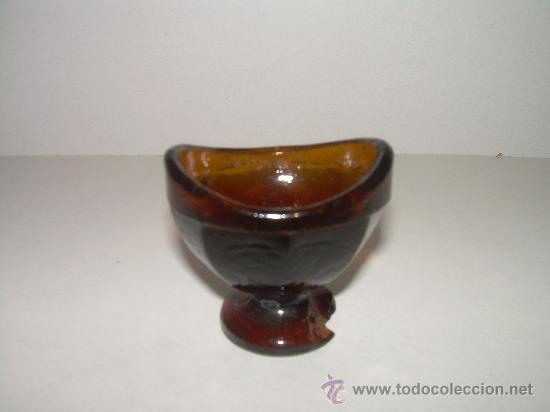 ANTIGUO RECIPIENTE DE CRISTAL PARA LOS OJOS (Antigüedades - Cristal y Vidrio - Farmacia )