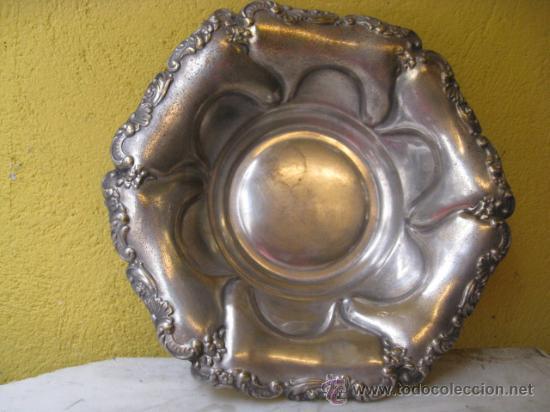 ANTIGUA FUENTE DE CENTRO EN METAL PLATEADO 30 CM DIAMETRO -CORREOS 2.9€ (Antigüedades - Platería - Bañado en Plata Antiguo)