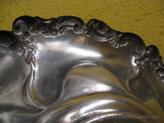 Antigüedades: ANTIGUA FUENTE DE CENTRO EN METAL PLATEADO 30 CM DIAMETRO -CORREOS 2.9€ - Foto 3 - 18997647