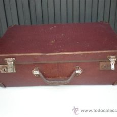 Antigüedades: MALETA ANTIGUA COLOR GRANATE. Lote 19088711