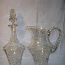 Antigüedades: JARRA Y BOTELLA DE CRISTAL TALLADAS DE LOS AÑOS 50. Lote 26810147