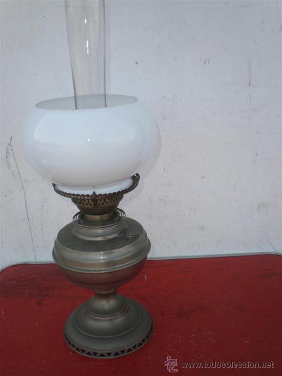 LAMPARA DE PETROLEO PLATEADA (Antigüedades - Iluminación - Lámparas Antiguas)
