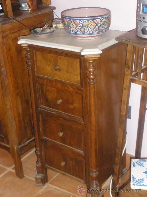 MESILLA CON MARMOL BLANCO DE OREJAS (Antigüedades - Muebles Antiguos - Veladores Antiguos)