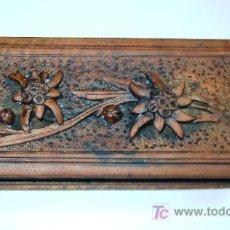 Antigüedades: ANTIGUA CAJITA DE MADERA TALLADA. Lote 26383874