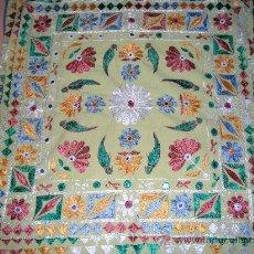 tapiz bordado en seda