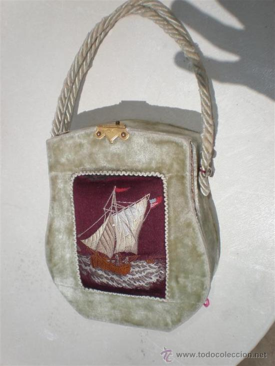 BOLSO EN TERCIOPELO Y BORDADO EN UN BARCO (Antigüedades - Moda - Bolsos Antiguos)