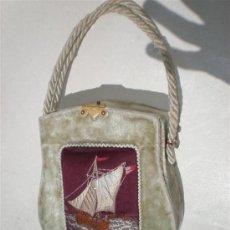 Antigüedades: BOLSO EN TERCIOPELO Y BORDADO EN UN BARCO. Lote 19910128