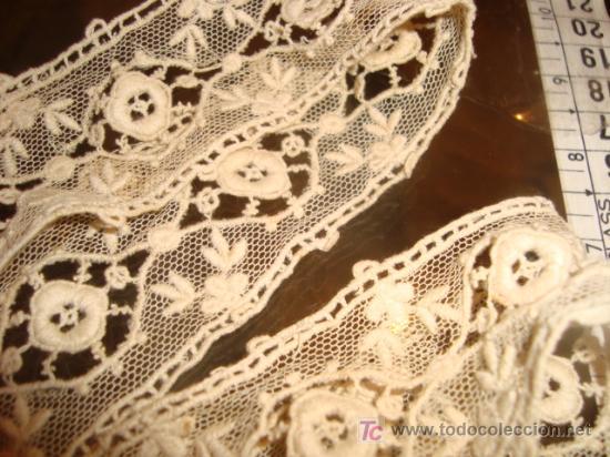 Antigüedades: 2 antiguos y maravillosos encajes , realizados a mano, en tul , diversos tipos de bordados,38 cm x 4 - Foto 3 - 21916448