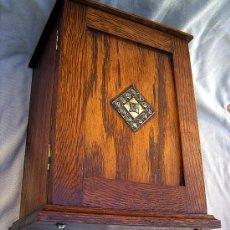 Antigüedades: PEQUEÑO ARMARIO DE ROBLE. Lote 26433909