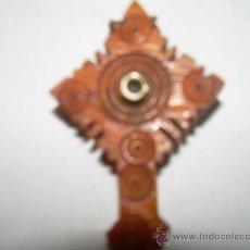 Antigüedades: PEQUEÑA CRUZ DE HUESO. Lote 26135314