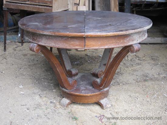 Mesa de comedor redonda extensible con guias de - Vendido en Subasta ...