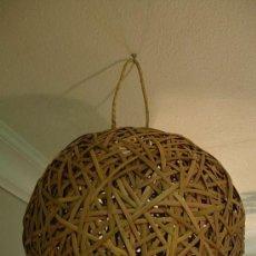 Antigüedades: ORIGINAL LAMPARA DE TECHO HECHA CON CAÑAS. Lote 26759601