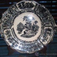 Antigüedades: SARGADELOS ANTIGUO - TERCERA EPOCA - PLATO CON ADORNOS - GONDOLA NEGRA.. Lote 26884274