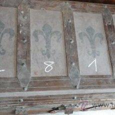 Antigüedades: BAÚL DE 93 X 4 X 51 CM APROX., SOBRE RUEDAS ADAPTADAS. Lote 25604033