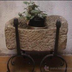 Antigüedades: PICA PIEDRA PILA MOLINO ACEITE FILTRADO DECANTACION SXVIII SOPORTES HIERRO FORJADO XVII MORILLOS. Lote 20700422