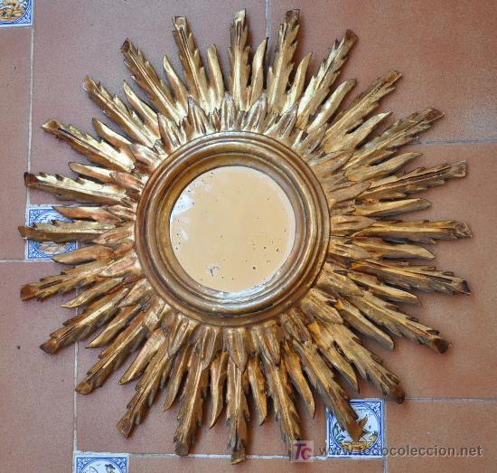 Muy antiguo espejo de madera tallada forma de s vendido for Espejos decorativos con forma de sol