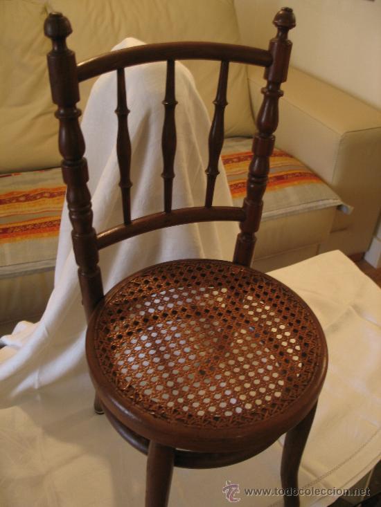 Peque a silla thonet original asiento de rejil comprar for Muebles de segunda mano en galicia