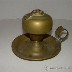 Antigüedades: MUY ANTIGUO QUINQUE DE ACEITE DE BRONCE. Lote 25108961