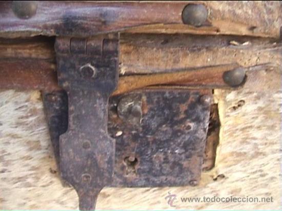 Antigüedades: BAUL PIEL VACA AJUAR MONJAS SANTA MARIA DE CASBAS SXIX - Foto 5 - 21156627