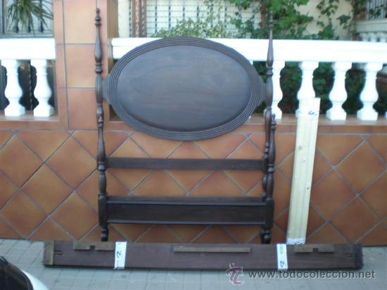 CAMA DE 90CM EN CAOBA (Antigüedades - Muebles Antiguos - Veladores Antiguos)